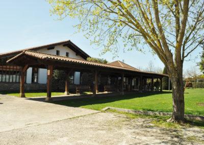 Asador Mutiloa. Pamplona. Restaurante con jardín y aparcamiento